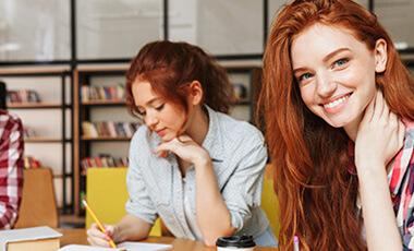 Навчіться вільно розмовляти у невеликих групах з 4-7 осіб.